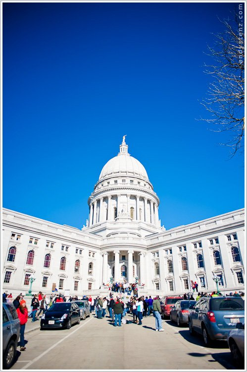 madison wisconsin labor protests by madision wedding and event photographer andy stenz