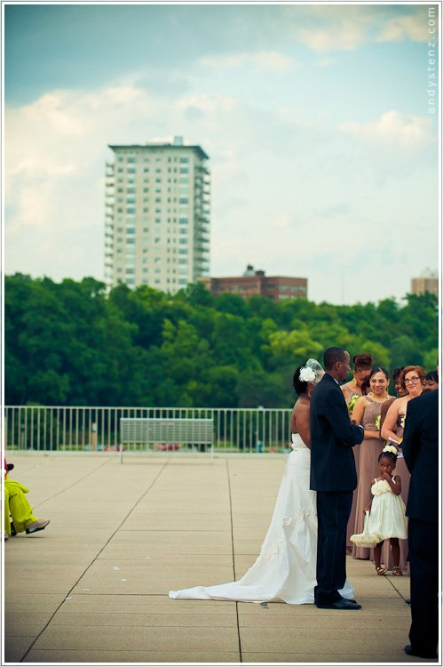 milwaukee war memorial wedding photography by andy stenz