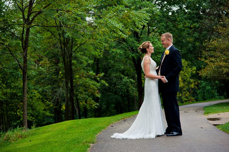 chenequa country club wedding and reception by lake country wedding photographer andy stenz