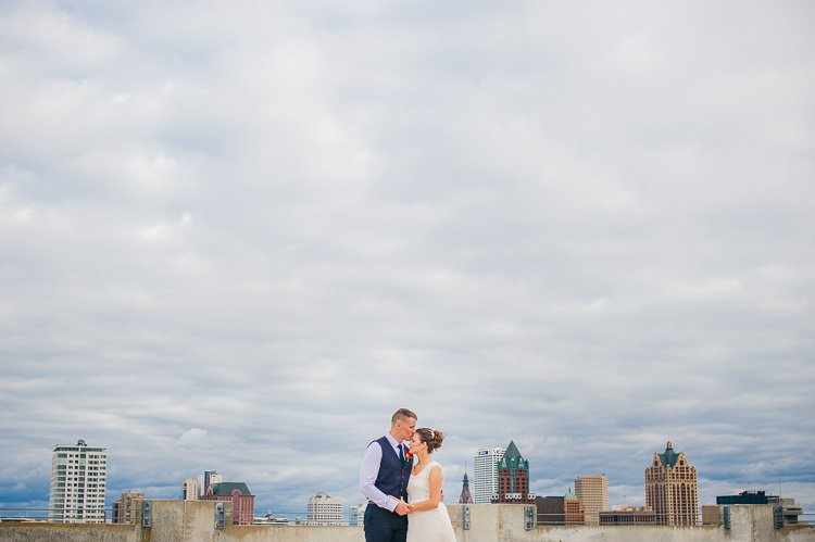 alysia and john's downtown milwaukee pabst brewery wedding photography